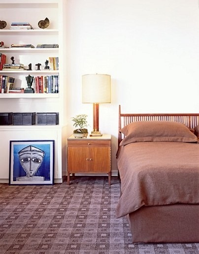 Spindle beds are a vintage style that is durable, and has stood the test of time. This contemporary style goes great with a bookshelf and some knick-knacks to make it pop!
