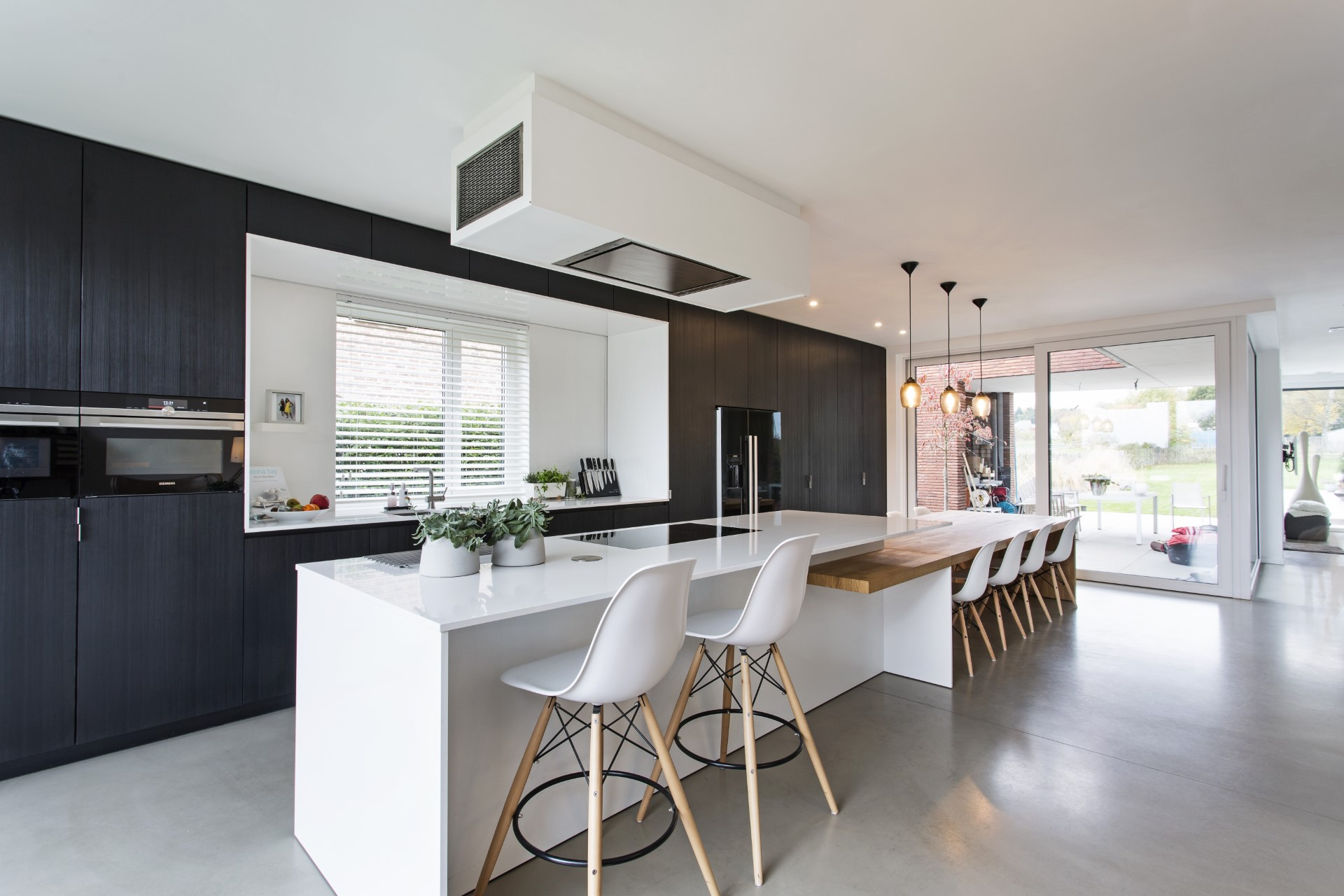 A contemporary industrial style kitchen is a great addition to a comfortable lifestyle. This specific design is roo friendly and works great with all orders automated vacuum cleaners.