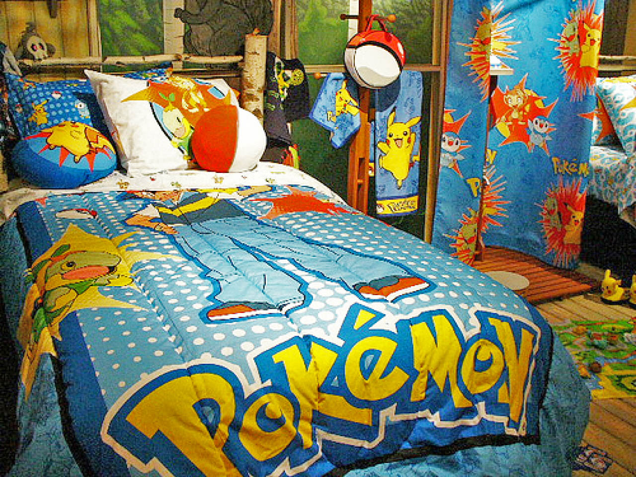 With the original Ash Ketchum, this Pokémon bed set is great for the new and original Pokémon fans.